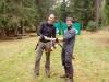 Hirschsalami-Überreichung für außerordentliche Schießkünste